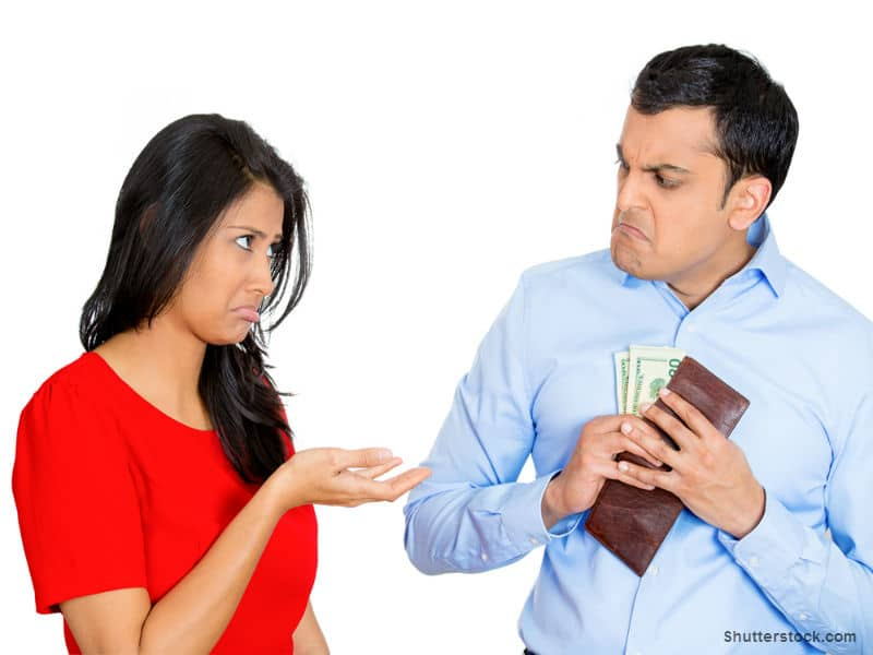 woman begging boyfriend for money