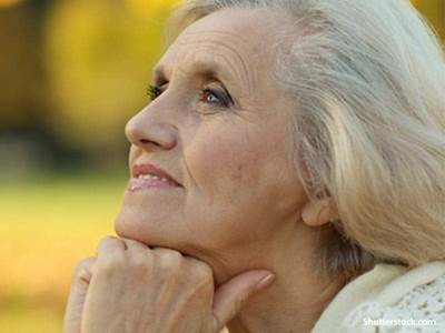 elderly-woman-thinking