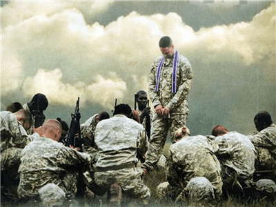 soldiers, pray