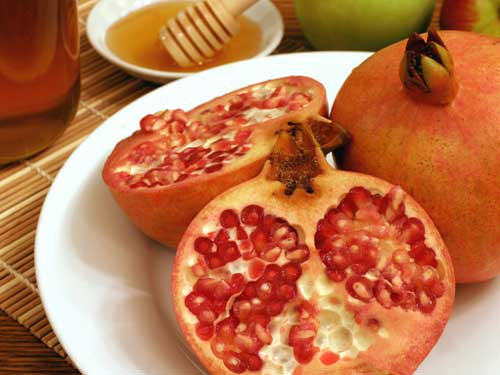 Rosh Hashanah pomegranates and honey